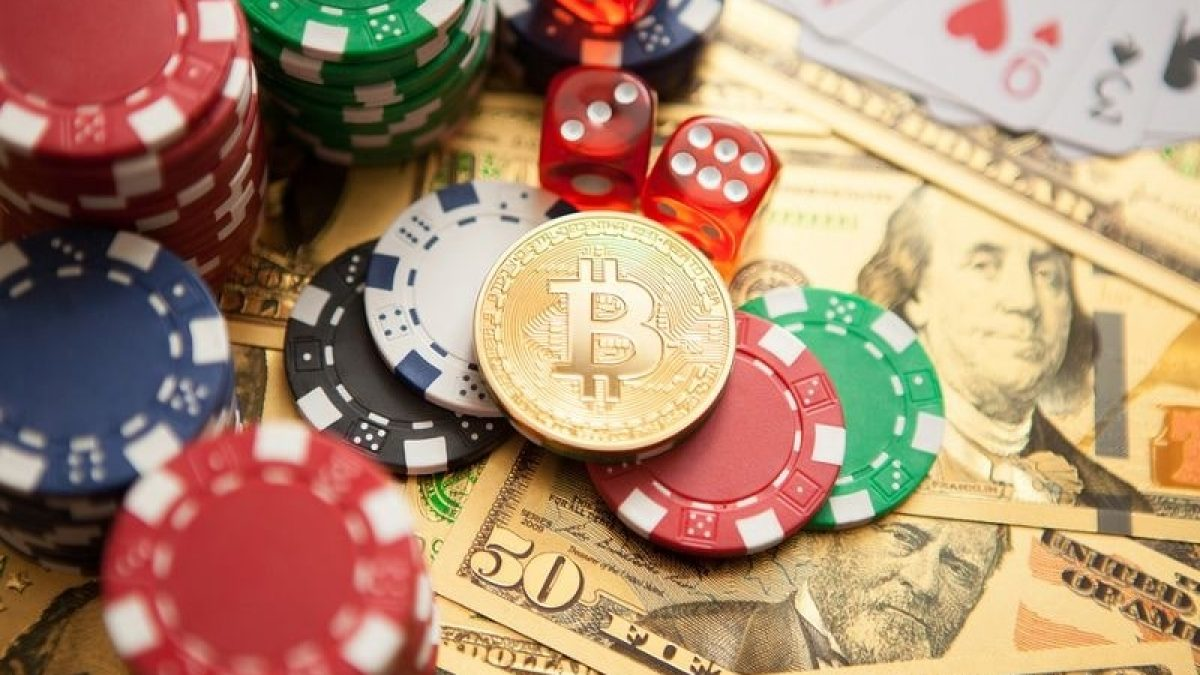 How to Make Money by Playing Online Casino Games?